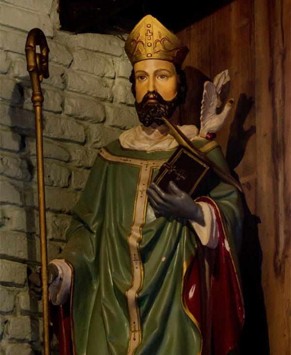 Sint Severus beeld in het wevershuisje